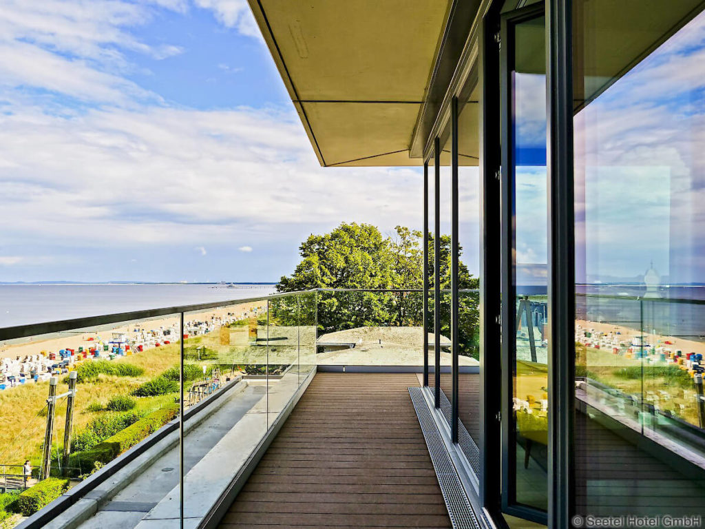 Seetelhotel-Kaiserstrand-Bansin-Ostsee-Hotel-Balkon