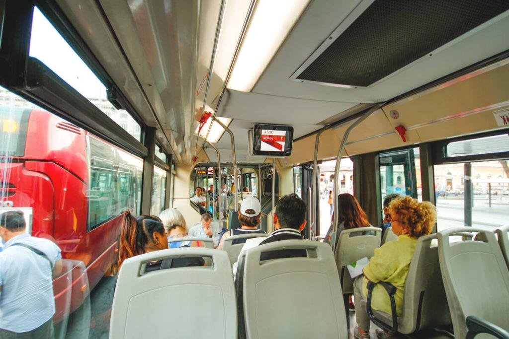 Rom-Transport-Busfahren-Busse-Verkehr