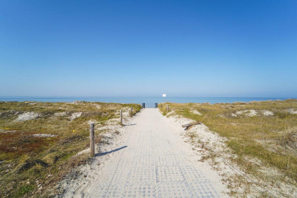 Insel-Poel-Strand-Am-Schwarzen-Busch