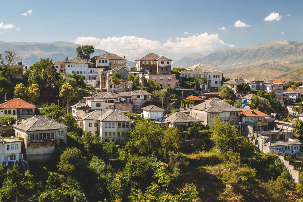 Gjirokastra in Albanien – Unsere top Sehenswürdigkeiten und Reisetipps