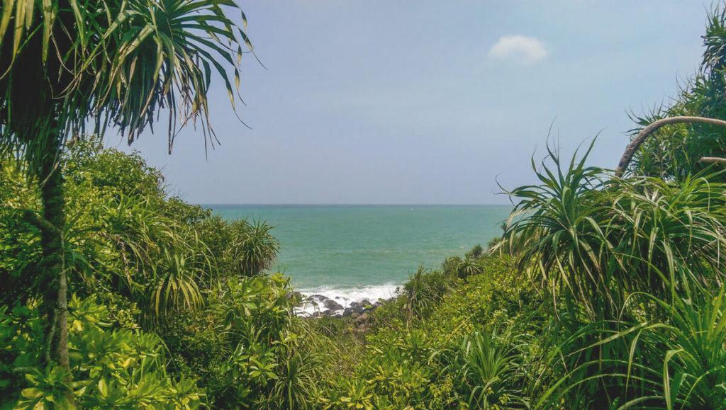 Rundreise-Sri-Lanka-Aussicht-Pagode-Unawatuna