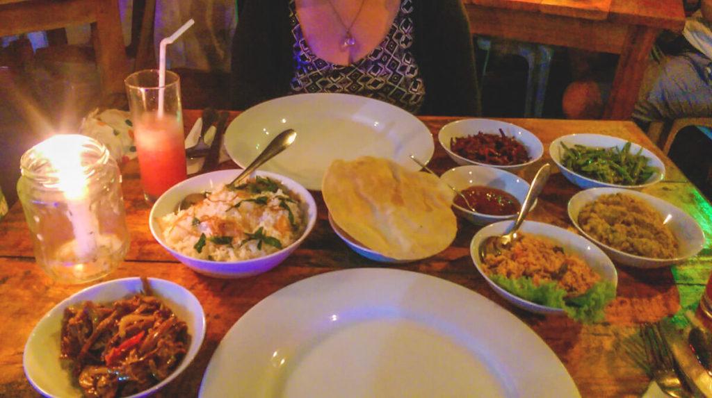 Sri-Lanka-Rundreise-Curry-Essen