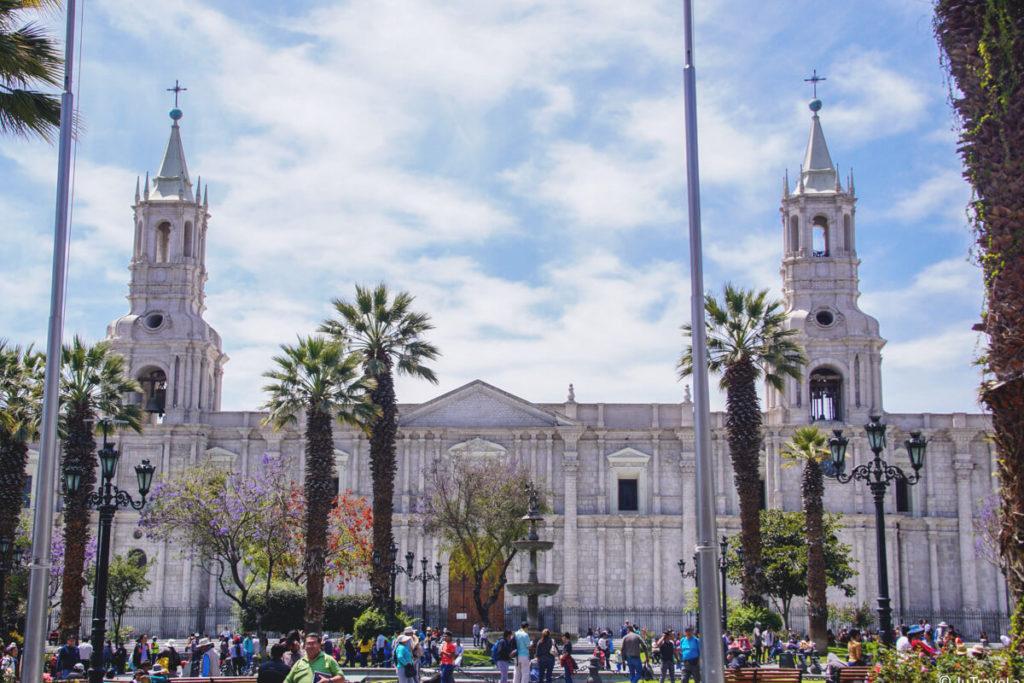 Peru-Sehenswuerdigkeiten-Arequipa-Kathedrale