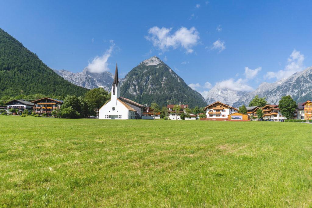 Achensee-Tirol-Pertisau-Bergpanorama