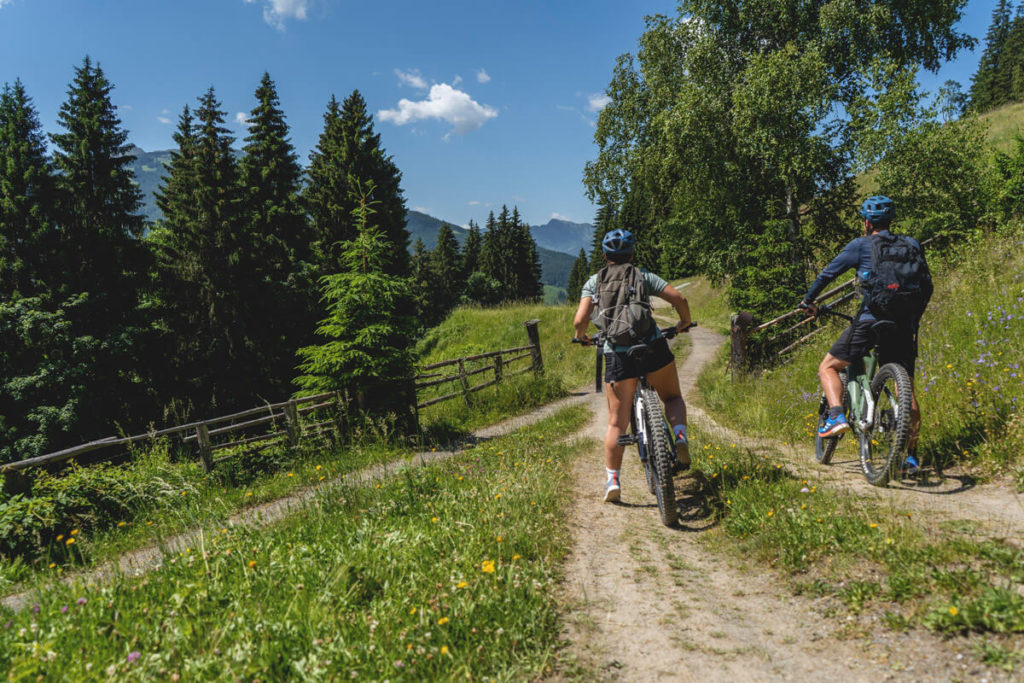 Flachau-Wagrain-Fahrradtour-Huettenfruehstueck
