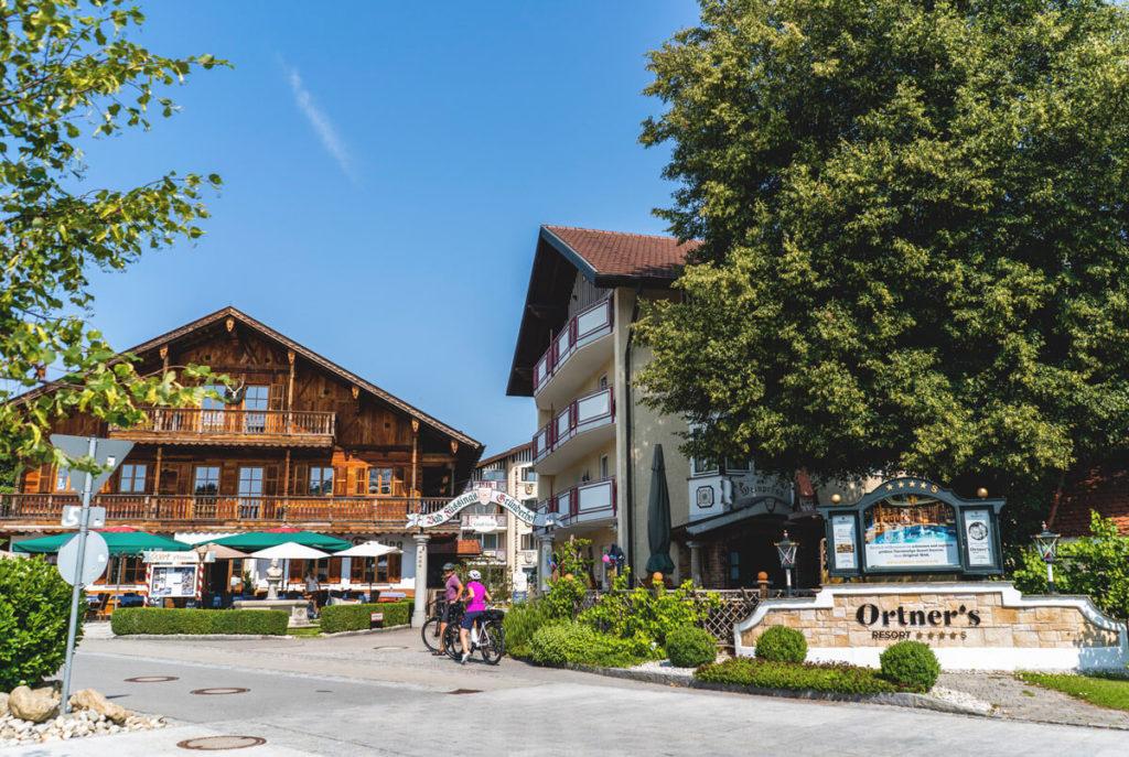 Ortners-Resort-Aussenbereich-Eingang