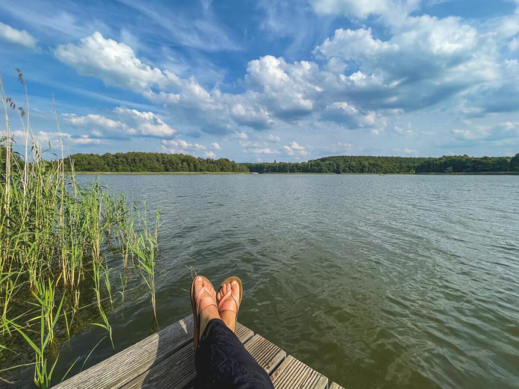 Kanutour-Seenplatte-Gobenowsee-Campingplatz-Steg