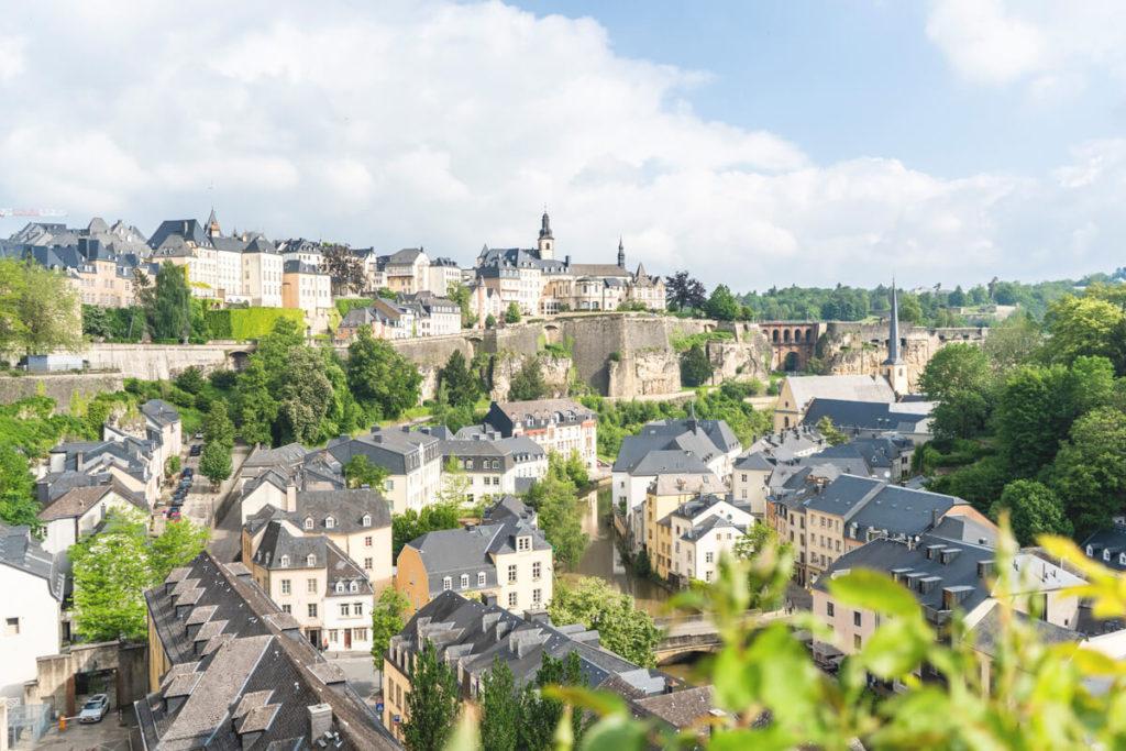 Luxemburg-Sehenswuerdigkeiten-Aussicht-Grund