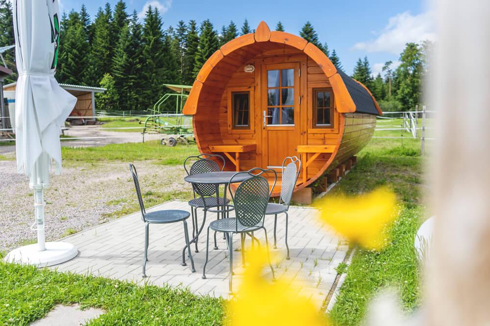 Schwarzwald-Bio-Bauernhof-Gerspach-Campingfass-5