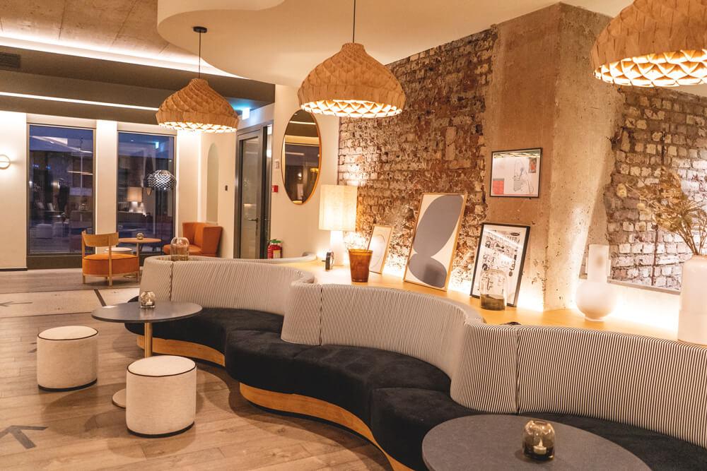 mercure-luxembourg-off-kirchberg-lobby