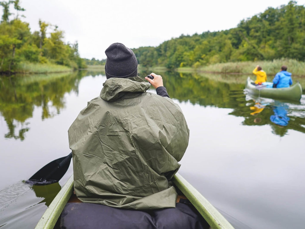 Wasserwanderung-Kanutour-Regen-Regenponcho